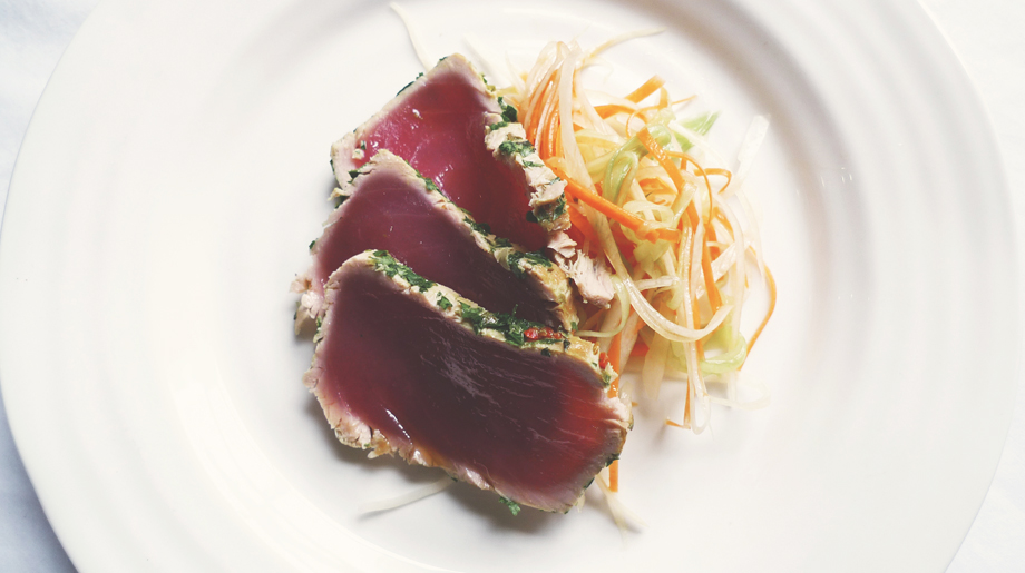 Herb coated tuna with asian shredded vegetable salad